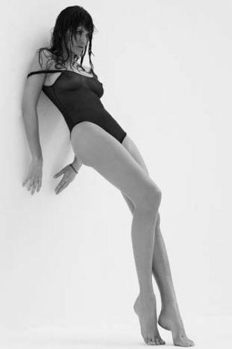 Helena Christensen üstsüz yakalandı - 21